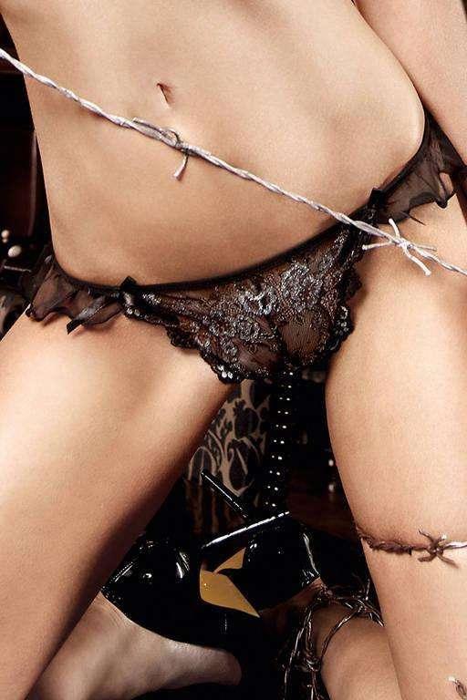Кружевные стринги с серебристым орнаментом Deeper in Hell